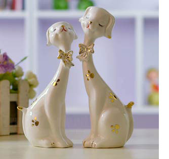 Romantic porcelain present